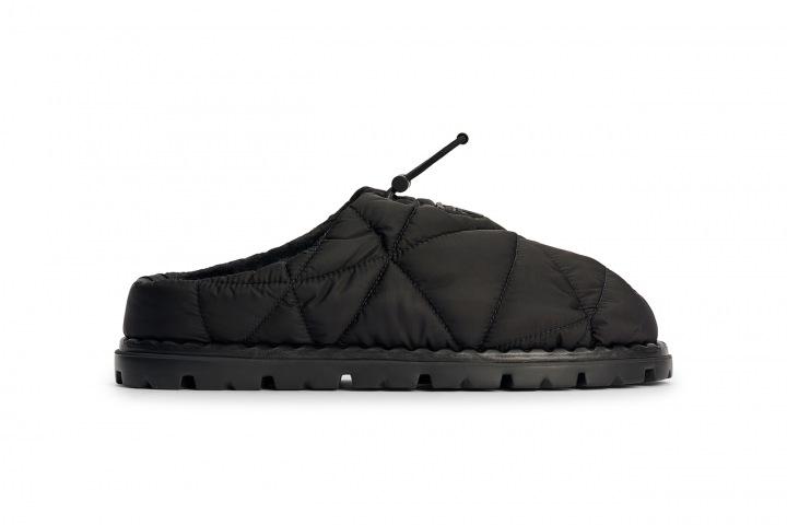 Nylonové pantofle Prada z kolekce podzim 2021