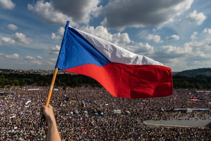 Lukáš Bíba, Demonstrace proti premiérovi Andreji Babišovi. Nominovaný v kategorii Aktualita