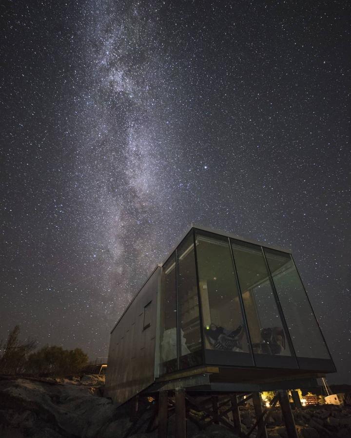 V noci můžete obdivovat hvězdy nebo polární záři.