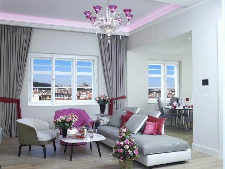 Candy Flat - růžový interiér