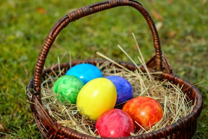 Nezapomeňte nabarvit alespoň pár vajíček.