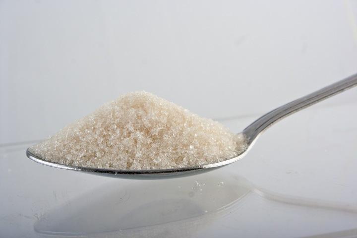 Cukr je dnes úplně ve všem.