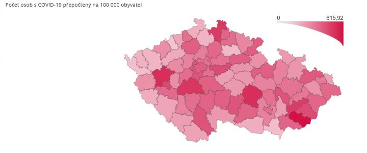 Počet osob s covid-19 na 100 000 obyvatel