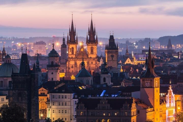 Večerní centrum Prahy.