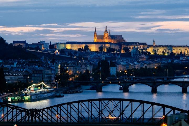 Pohled na Vltavu a Hradčany v Praze