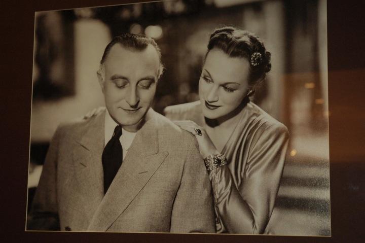 Fotografie Oldřicha Nového, jedné z největších filmových hvězd prvorepublikových filmů