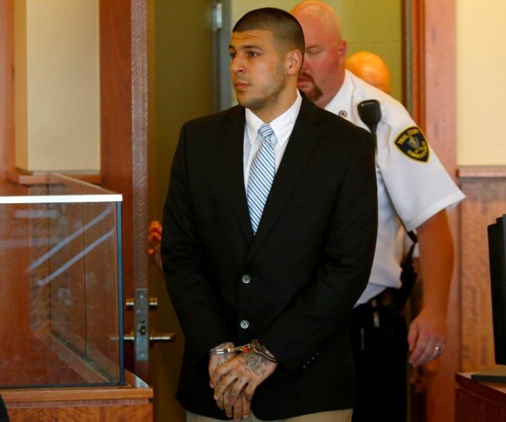 Aaron Hernandez před souden, kde byl usvědčen z vraždy