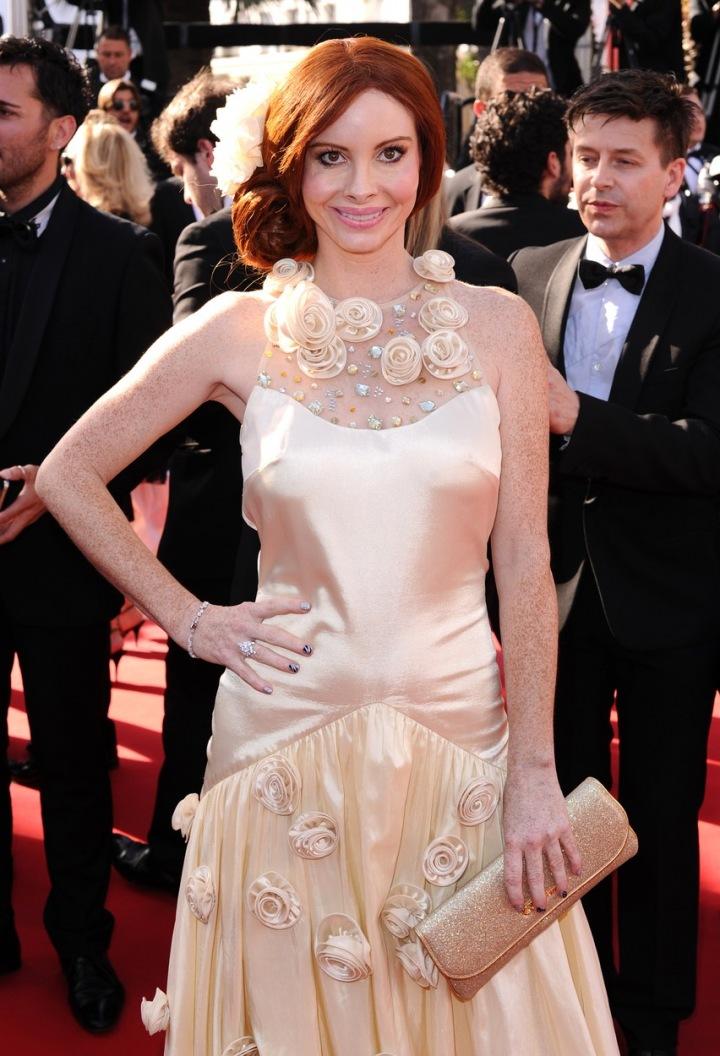 Phoebe Price na festivalu v Cannes.