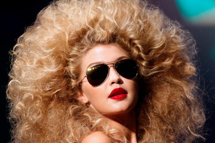 """Gigi Hadid a její vlasy a lá """"lvice"""""""