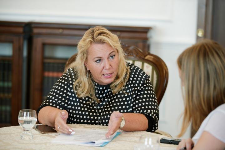 Ministryně Klára Dostálová se chce dlouhodobě věnovat zlepšení bytové situace u nás