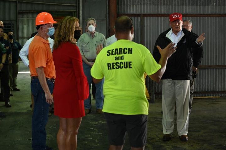 Prezident Donald Trump navštívil Louisianu, kde začal úklid po Hurikánu Laura