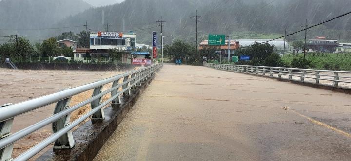 Tajfun Haishen udeřil v Jižní Koreji