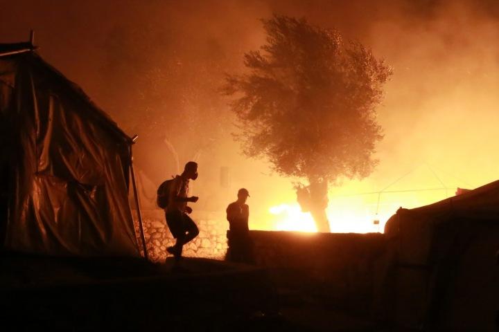 Požár v uprchlickém táboře na Lesbosu