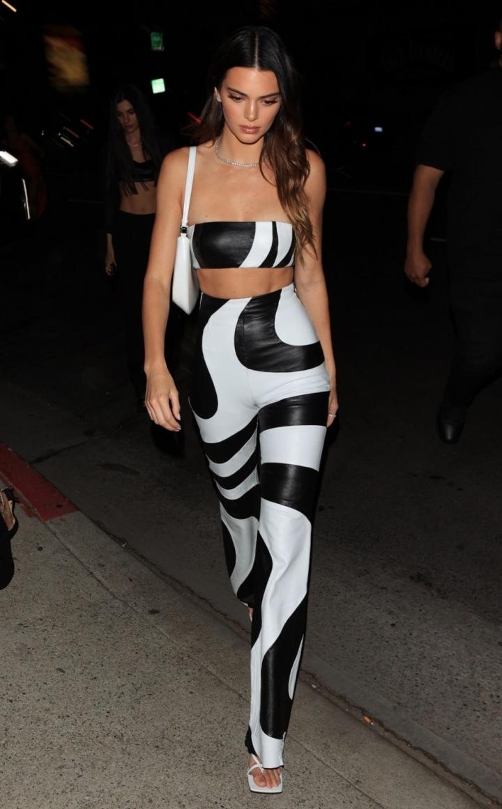 Kendall Jenner v extracagantním modelu