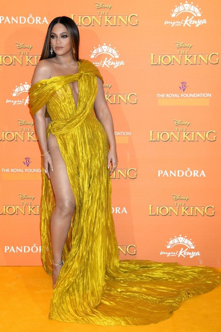 Beyoncé ve žlutých šatech