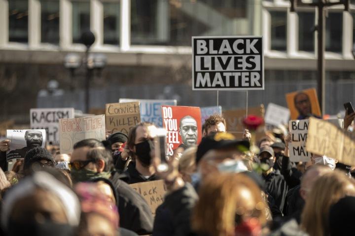 Protesty po smrti George Floyda.