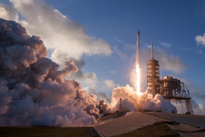 Start rakety z Kennedyho vesmírného střediska