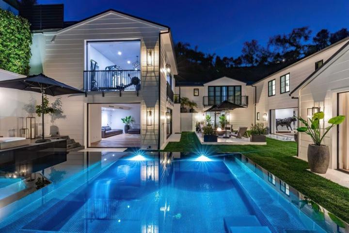 Rezidence v celé své kráse, Beverly Hills