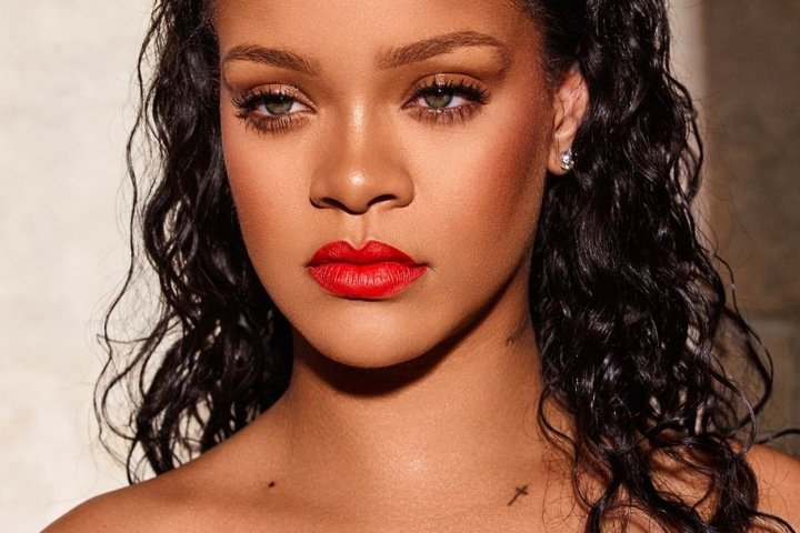 Třiatřicetiletá zpěvačka Rihanna