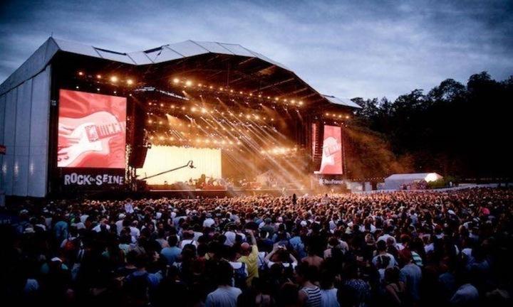 Atmosféra na koncertě festivalu Rock en Seine.