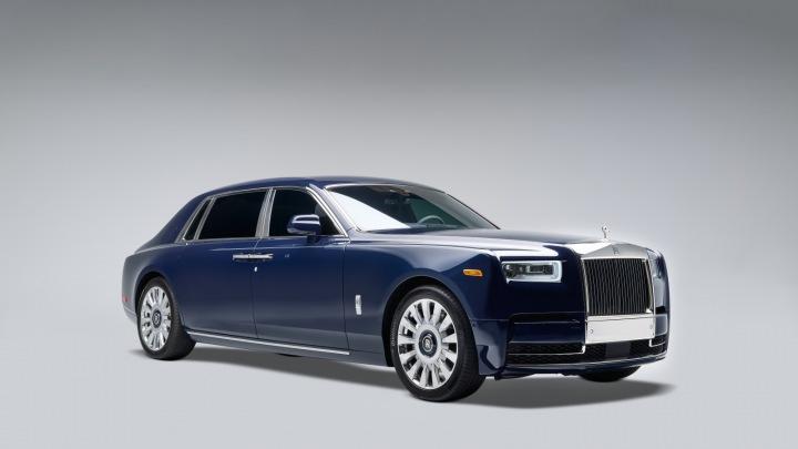 Nový vůz od Rolls-Royce.