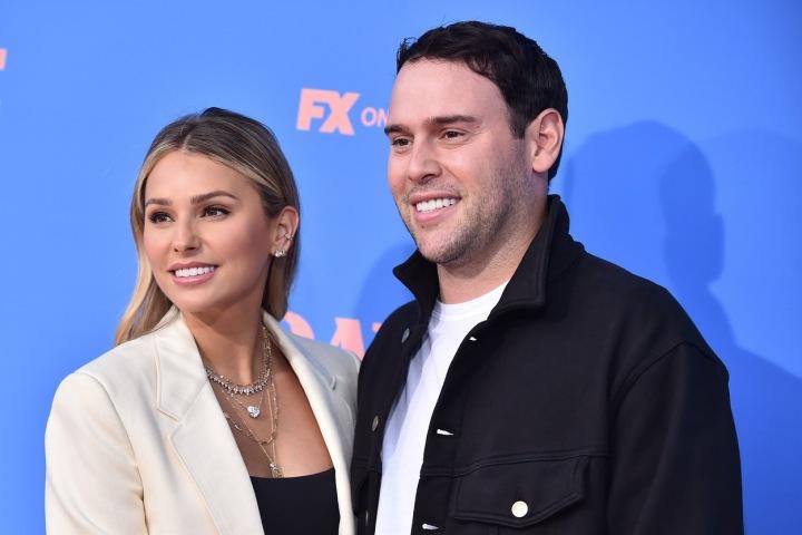 Manželský pár Scooter Braun a Yael Cohen v roce 2021