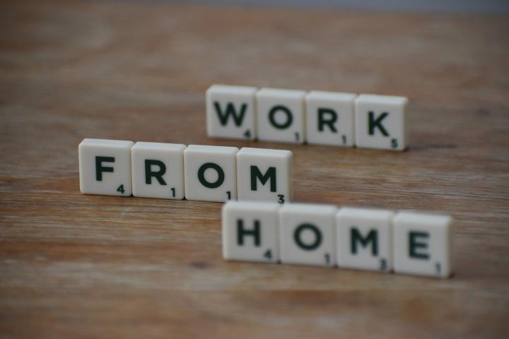 Kvůli koronaviru pracuje z domova ohromné množství lidí.