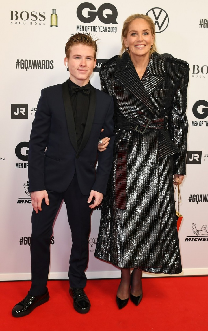 Sharon Stone se synem Roanem v Berlíně