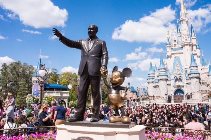 Socha v Disneylandu.
