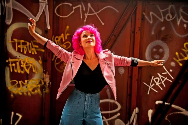 Místo Pilarové zazpívá Tereza Mašková.
