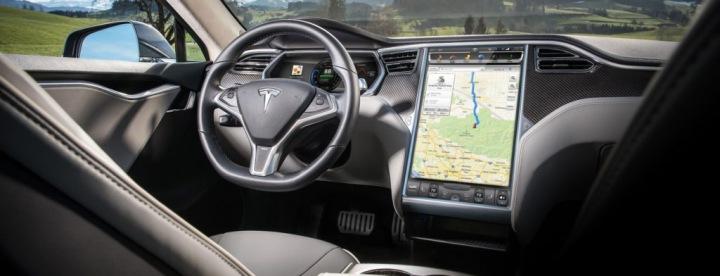 Tesla Model S interiér