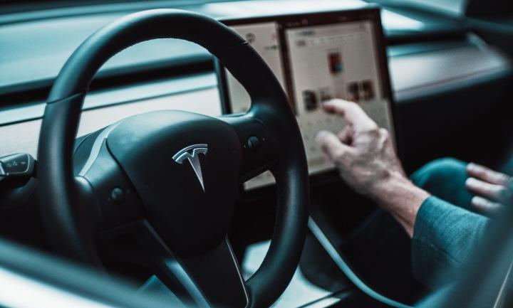 Interiér vozu Tesla Model 3