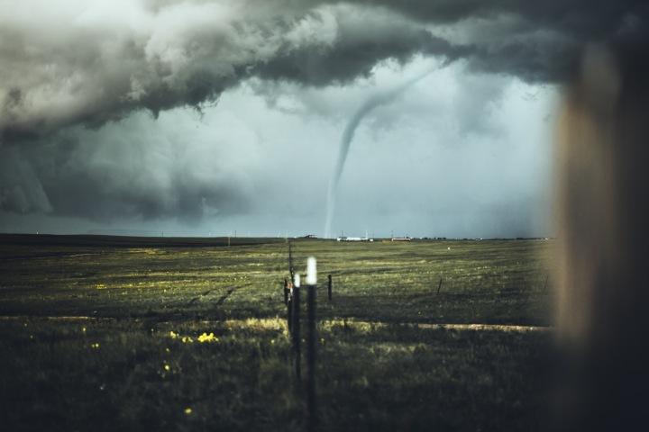 Tornádo utvořené v průběhu bouřky
