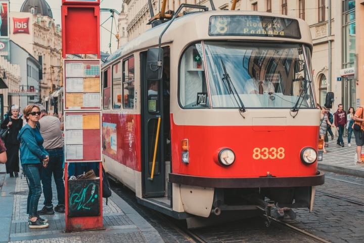Tramvajová zastávka v Praze