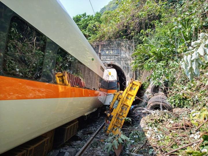 Vlakové neštěstí v Tchaj-wanu
