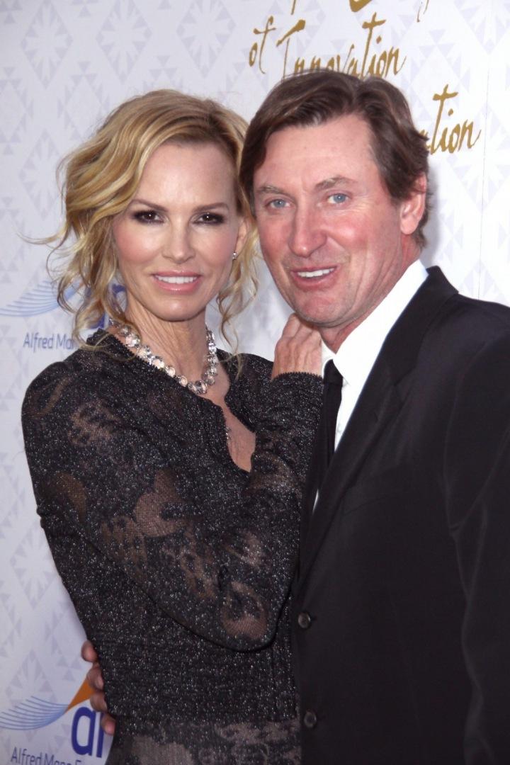 Wayne Douglas Gretzky s manželkou Janet