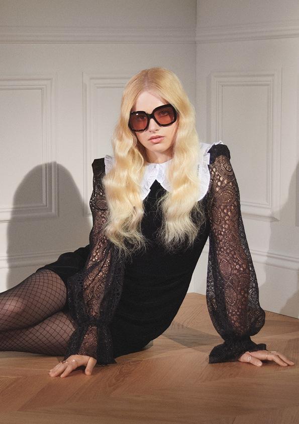 Žena v černých šatech THE VAMPIRE´S WIFE X H&M