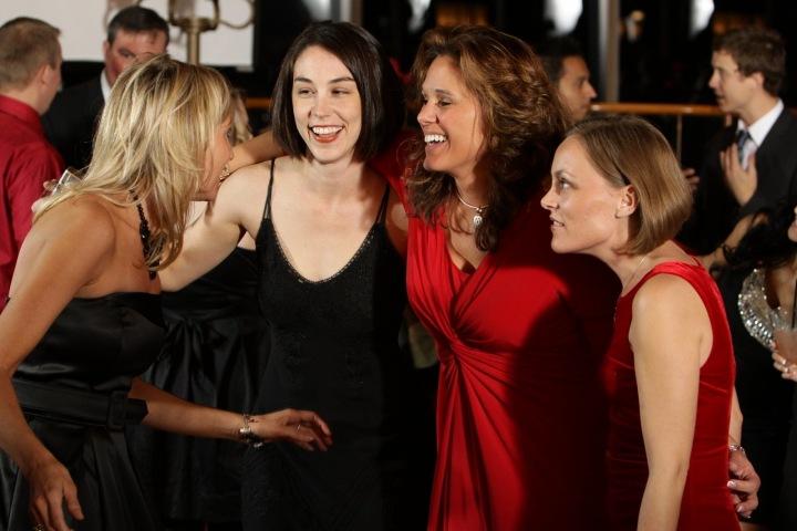 Ženy na večírku.