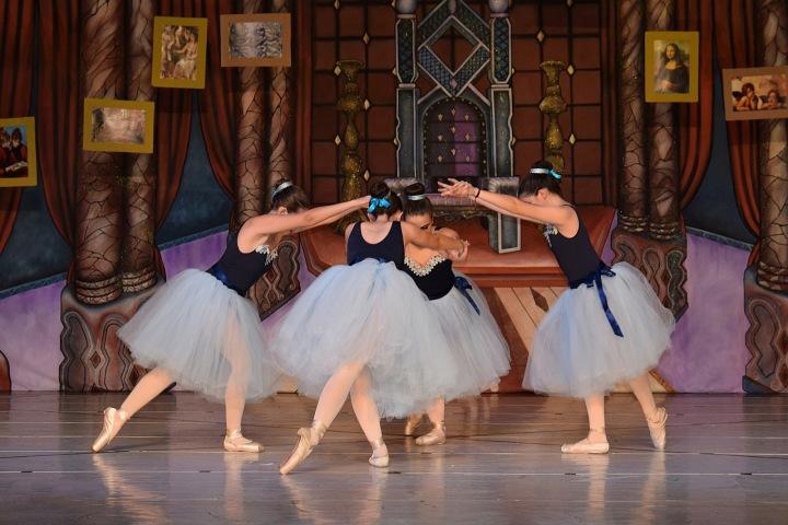 Ženy tančící balet