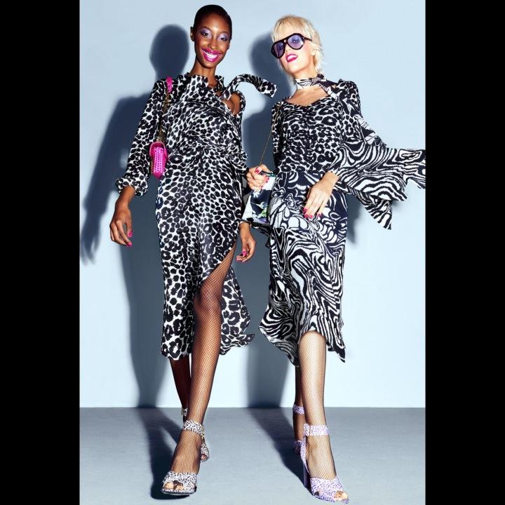Ženy v šatech se zvířecím motivem Tom Ford