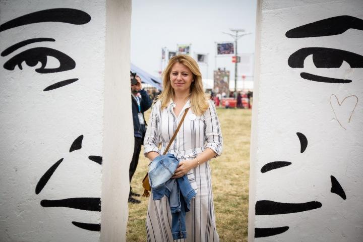 Zuzana Čaputová přišla mezi lidi v ležérním oblečení