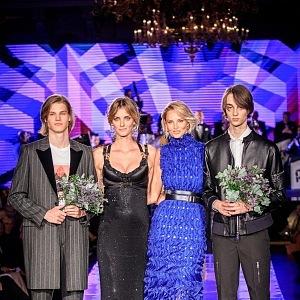 Denisa Dvořáková a Michaela Kociánová s vítězi z mužské kategorie