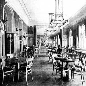Prvorepubliková kavárna Café Louvre
