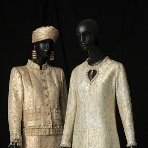 Večerní bunda a dlouhé hedvábné šaty, kolekce haute couture Fall / Winter 1969