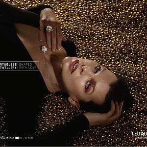 Milla Jovovich v kampani Portuguese Jewellery