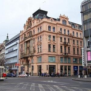 Budova pojišťovny Assicurazioni Generali na rohu Václavského náměstí a Jindřišské, Praha