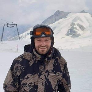 Adam Vojtěch rád jezdí na hory.
