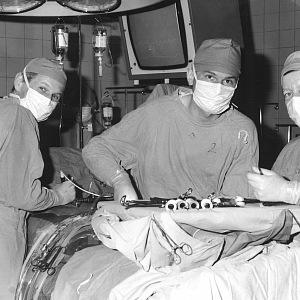 Studia dokončil v roce 1972 a začal pracovat v nemocnici v Nymburce. Vyhrál konkurz na místo vědeckého aspiranta v IKEMu a od 1. října 1974 zde pracuje.