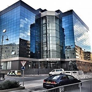 Nyní pracuje v jedné z nejprestižnějších kanceláří, na Gibraltaru.
