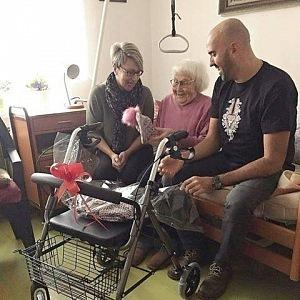 Na vozíčky pomáhá vybrat společnost Slevomat.
